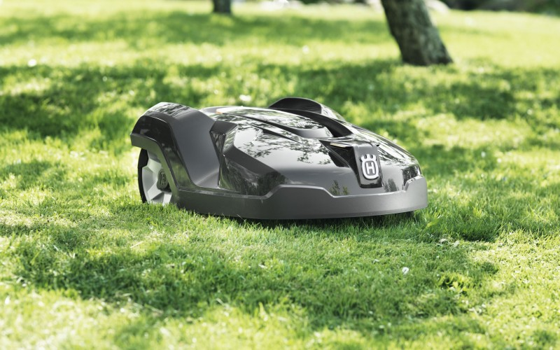 How Automowers Improve Your Lawn Health